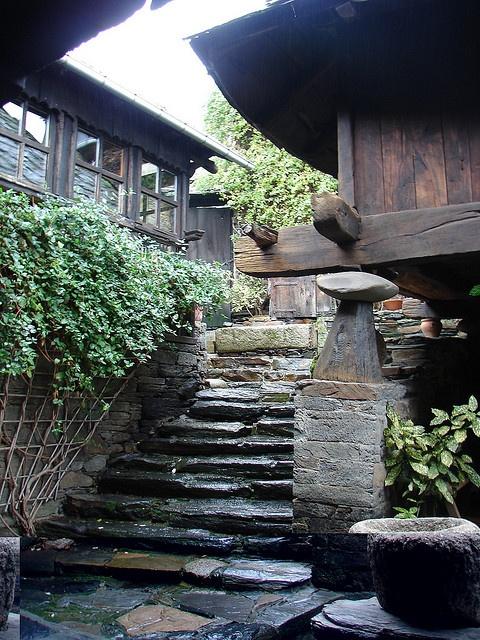 Casa O crego, Vilaquinte, Lugo, Galicia http://www.toprural.com/Casa-rural-habitaciones/Casa-O-Crego_23227_f.html