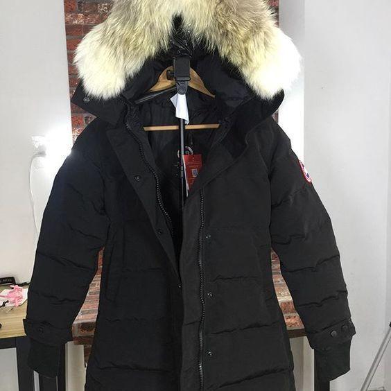 canada goose dame modellerParkaen holder varmen godt og tåler kulde ned til -10 grader celsius. Den har to skrålommer med knapper ved midjen og den har både glidelås og knapper fra topp til bunn og halsen er høy for å beskytte mot vind og snø. http://www.saifqatar.com/Jakke-Dame-s353/