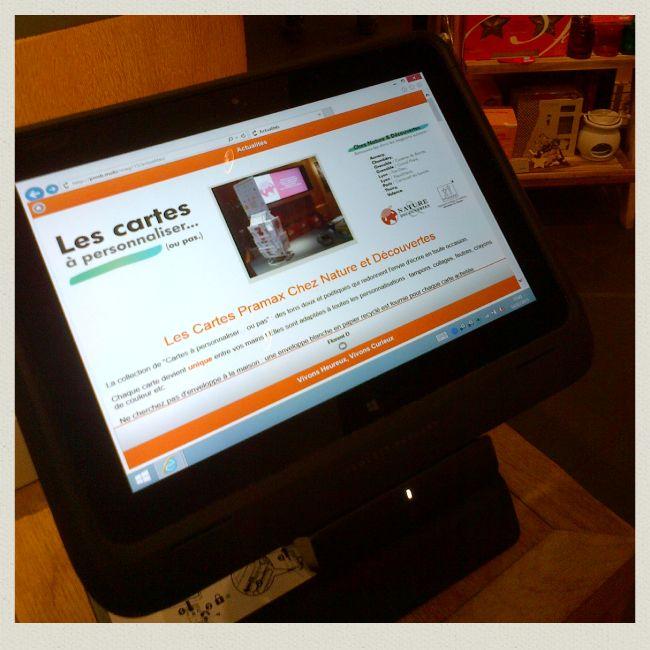 Les Cartes Personnalisables sont en avant sur la super Application du magasin @natureetd  Lyon Part dieu. Un Grand merci à Florent ! #appli #carterie #innovation