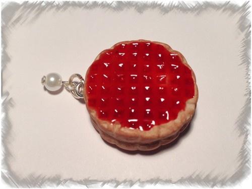 L'équipe de créapause a sélectionné pour vous 2 Crayons à effet coulis fruits rouges pour créer un effet coulis sur vos modelages de gourmandises