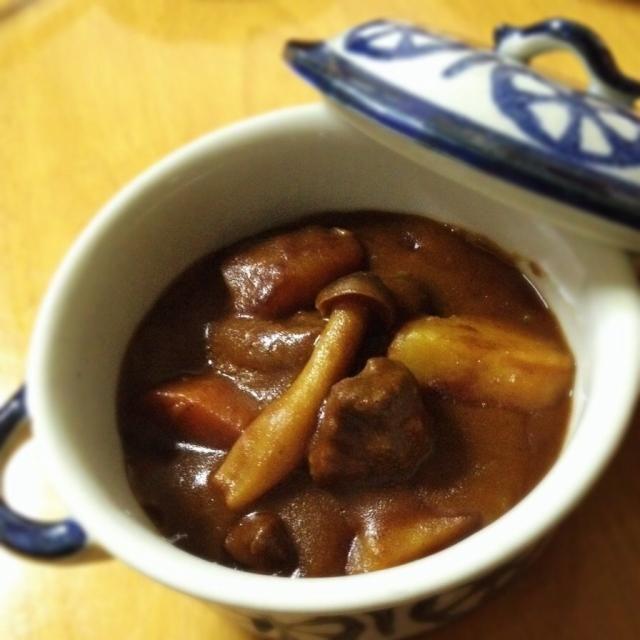 お肉が柔らかくなるようにコトコト煮込みながら、スマホで皆さんのお料理見てました。笑 - 11件のもぐもぐ - ビーフシチュー by juninfearendil