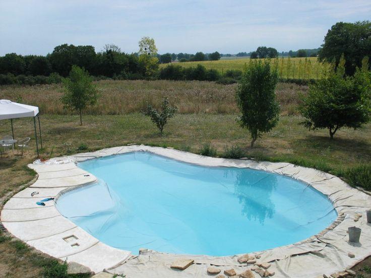 les 25 meilleures id es de la cat gorie co t de la piscine. Black Bedroom Furniture Sets. Home Design Ideas