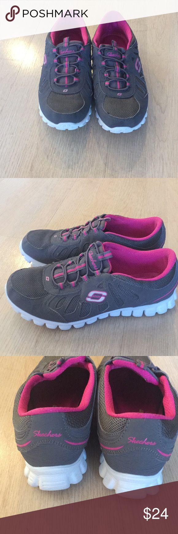 Skechers memory foam sneaker Skechers light weight memory foam sneaker. Gently worn. Skechers Shoes Athletic Shoes