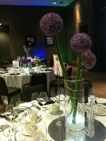 Love these flower balls, simple & elegant!