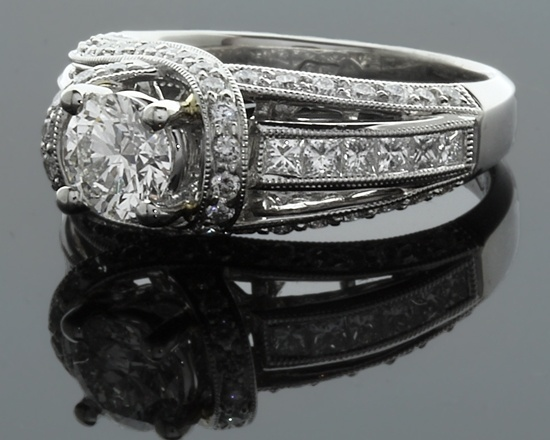 Stunning white golf antique engagement ring. Details at http://www.perfectring.ie/productDetails.aspx?productid=1130