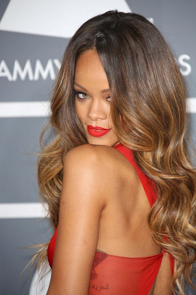 Rihanna Grammy 2013 Ombré look was perfection! Recreate it with 20 inch hair extensions in a lighter colour. Book in today with The Extensionist.