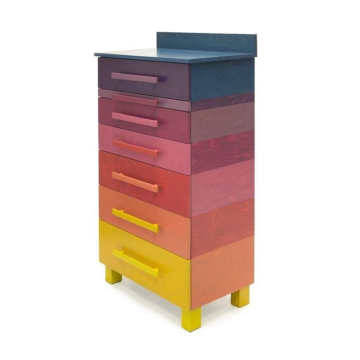 Kast met negen kleuren, roodtinten van Sandra Catsburg   Markita.nl