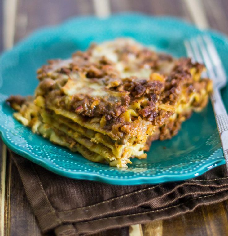 A deliciously meaty vegetarian lasagna recipe full of layers of meaty crumbles, vegetables, and ooey gooey cheese. Try this for dinner!