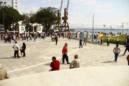 Feira Multicultural leva cariocas e refugiados à Praça Mauá