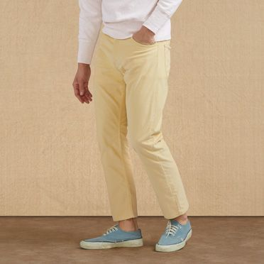 The Levi's® Vintage Clothing White Tab Corduroy Pants are a reproduction of  a original, now available in new shades and with a slim tapered fit.