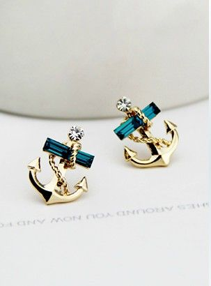 Studded Anchor Earring Stud... Makes me think of Sara Brown! :)