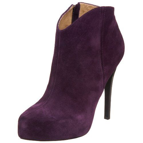 Jessica Simpson Women's Pasadena Bootie - Show off a modern silhouette with these breathtaking Jessica Simpson Pasadena ankle boots. Sumptuously soft suede or leather upper in a contemporary dress ankle boot style with a pointed toe. Center front seaming and a 3/4 inch wrapped platform midsole create lovely structure and shape, full inner side zipper offers easy fit at the 5 1/2 inch shaft. $85.99