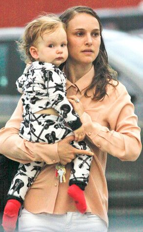 natalie portman baby aleph  | Natalie Portman Takes Out Baby Aleph in His Cute Pajamas | E! Online