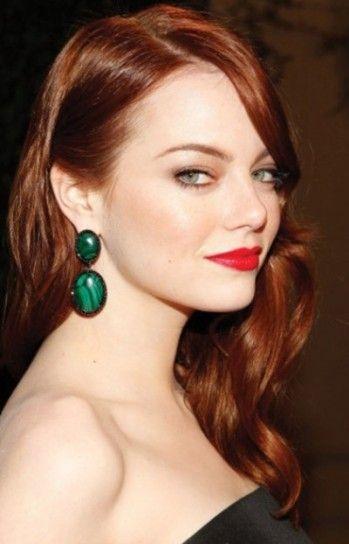 Emma Stone capelli rossi con riga laterale