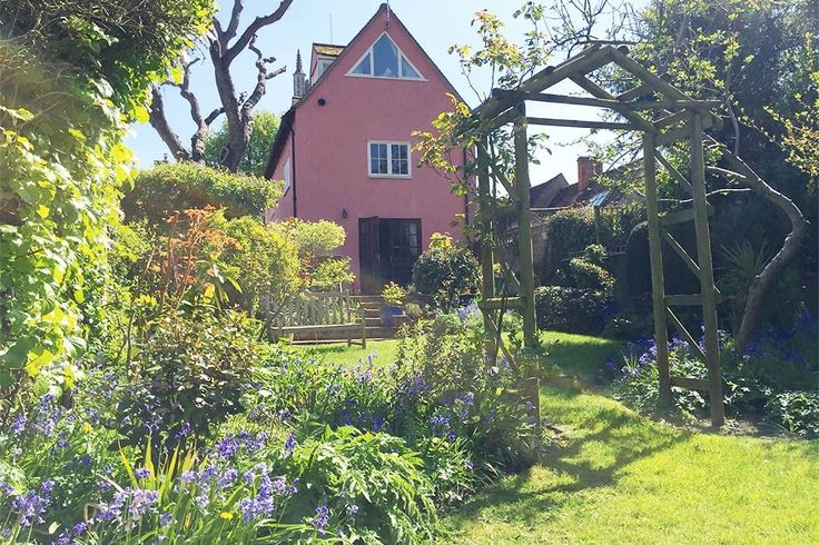 House in Colchester, United Kingdom. Enjoy a self-catering weekend retreat for up to 8 people in one of the UK's prettiest villages. Our converted Tudor candle factory has three bedrooms and a magnificent yoga studio. Steps from unspoiled Constable Country and a world class gastropub...