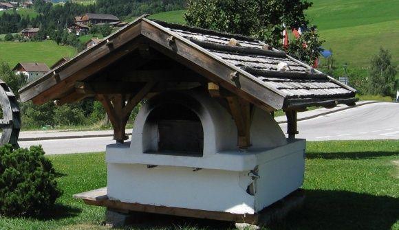 Un libro a cielo aperto, un'occasione per i bambini Giornata del pane tradizionale - Teodone - Val Pusteria, Alto Adige e Tirolo orientale