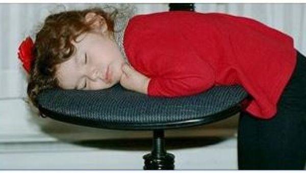 Deti počúvajú len zriedka a keď nadíde čas ísť spať, dávajú svoj nesúhlas najavo hlasným protestom. Je ale dobré strážiť čas, kedy chodí dieťa spať. Brazílsky detský psychiater Dr Jose Ferreira Belisario Filho vysvetľuje prečo. Podľa jeho názoru má spánok vplyv na vývoj dieťaťa a tiež aj na to, či