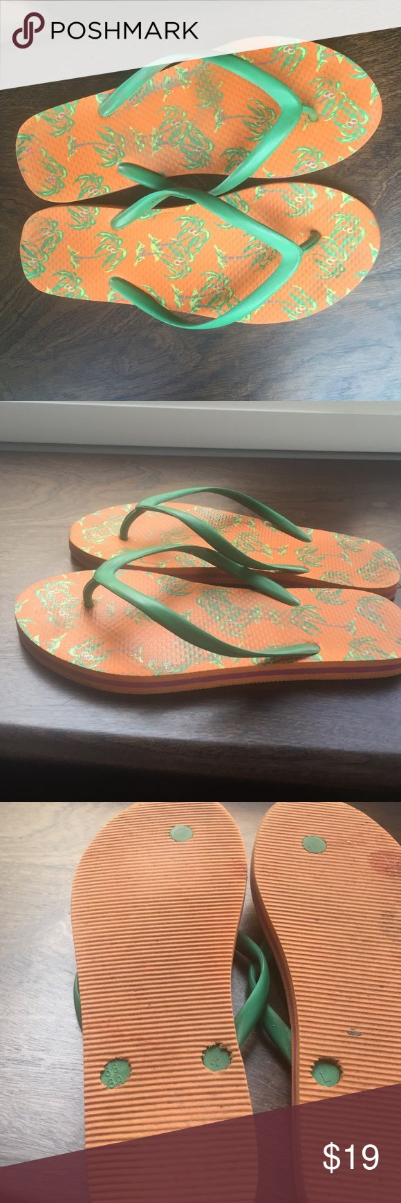 Havana Flip Flops Green and Pink Palm Trees Decorate these Orange Soul Flip Flops with Green Foot Band. How Fun are These for Summer Days and Nights! Great Condition.🌞 Havaianas Shoes Sandals