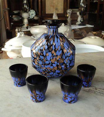 Bottiglia e 4 bicchierini in vetro colorato Set of glass bottle & four glasses