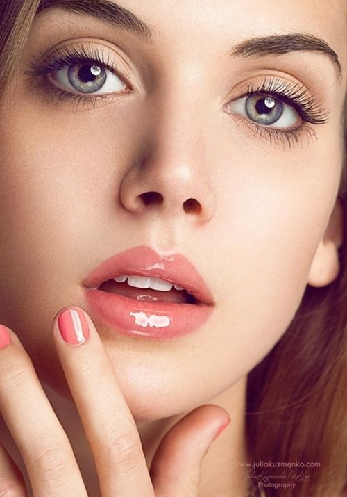 not a big fan of the overly glossy lips but this is nice - Click image to find more makeup posts