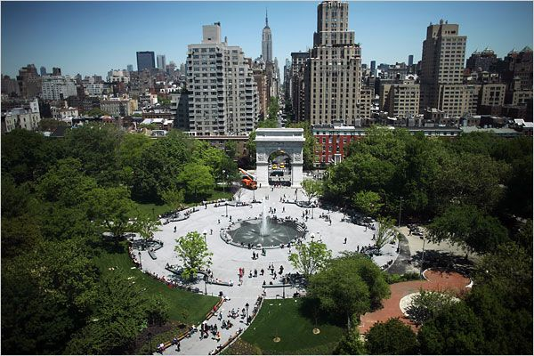 In the late 1950s Jane Jacobs campaigned successfully to stop Robert Moses' plan to extend Fifth Avenue as a four-lane highway through the center of Washington Square Park