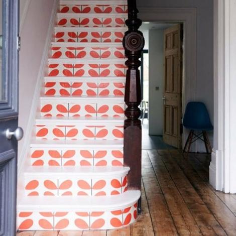 De 25 populairste idee n over behang trappen op pinterest trappen structuur behang en houten - Te vernieuwen zijn houten trap ...