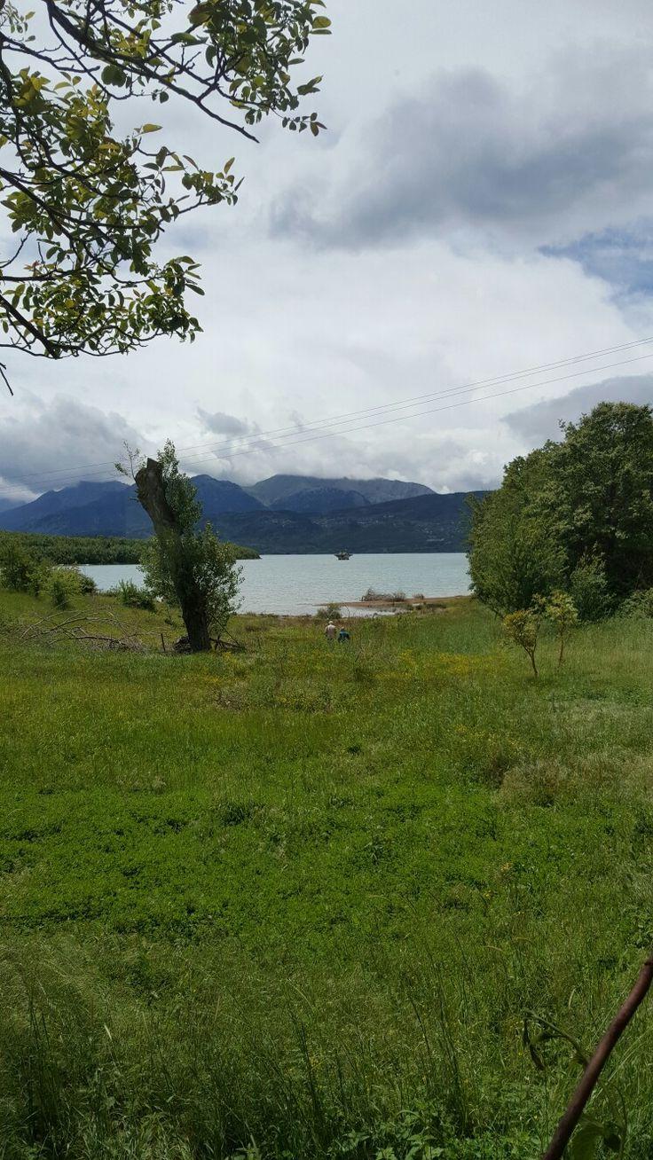 #landscape #view #breathetaking #lake #nature #green #clouds #trees #mountain