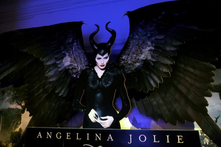 Cartel con Angelina Jolie