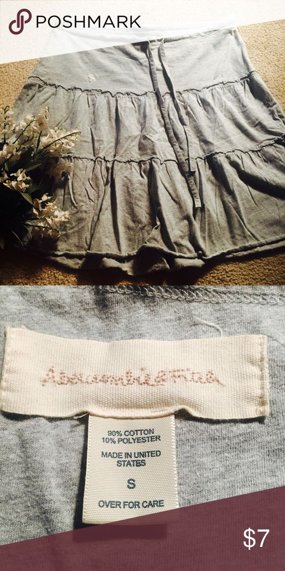 Abercrombie and Fitch peasant skirt Grey Abercrombie and Fitch skirt with tied waist Abercrombie & Fitch Skirts Midi