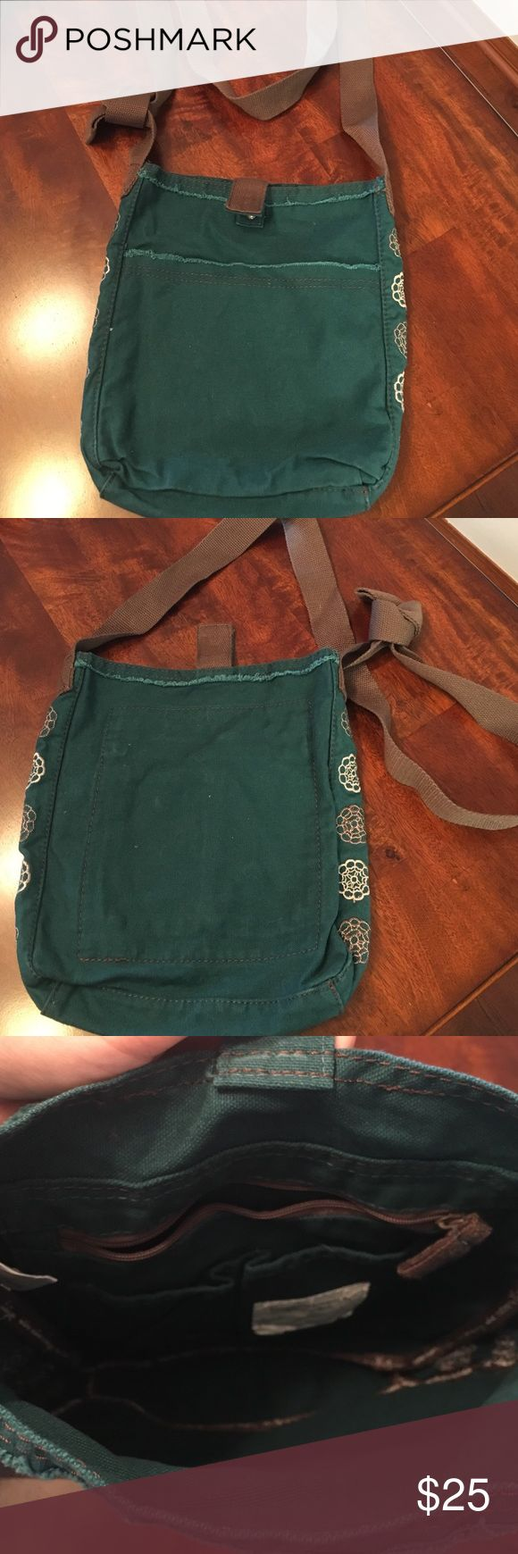 Forever 31 Retro Metro Embroidered Crossbody Bag Like New. Crossbody bag with a snap closure. One interior pocket with zipper, and 2 interior pockets without zipper. Large pocket on the front of the purse. Comes from a smoke free home. Thirty-One Bags Crossbody Bags