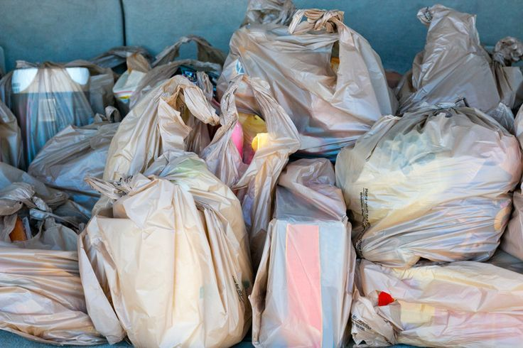 Woolworths And Coles Will Ban Single-Use Plastic Bags From Next Year