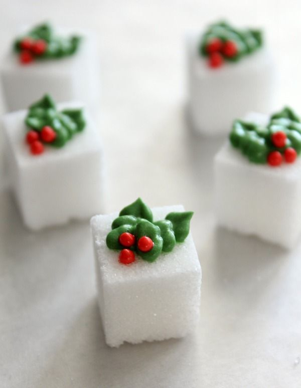 Cutest sugar cubes EVER. Royal Icing Holly Accents from @SweetSugarBelle {Callye Alvarado}