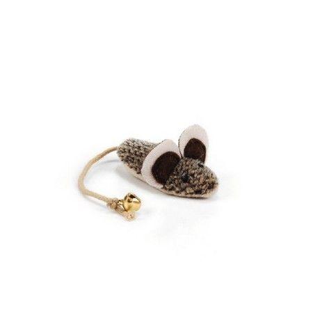 Deze Nuddles pluche spitsmuis is een grappig uitziende pluche speeltje voor uw kat of kitten. Voor urenlang speelplezier en om heerlijk mee te knuffelen. Lengte: 7 cm.