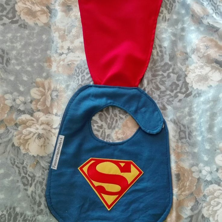 Superman baby bib with mantle