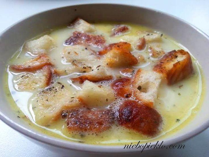 Zupa czosnkowa, czyli obiad znajda z tego co znajdziesz w domu