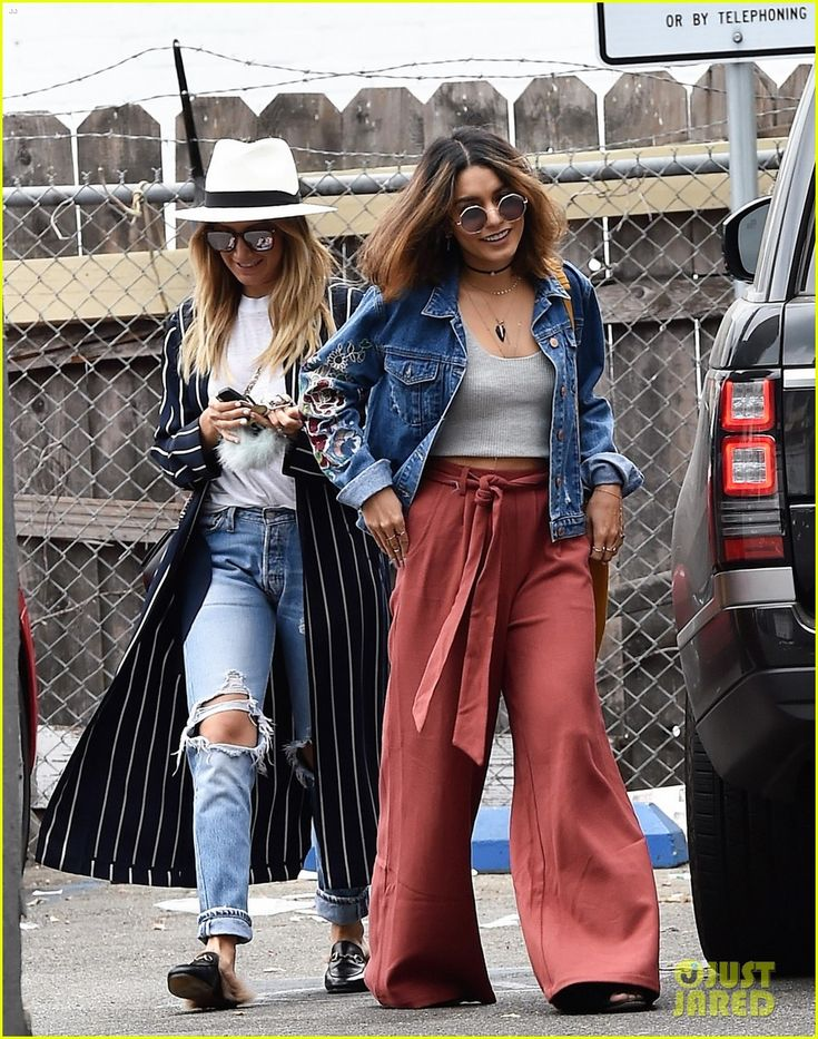 Ashley Tisdale & Vanessa Hudgens Spend the Afternoon Shopping!: Photo…