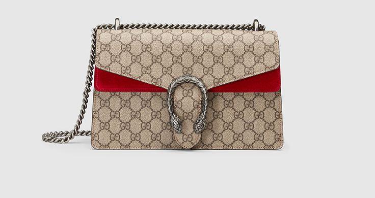 È davvero un classico la bella borsa in canvas a spalla di...