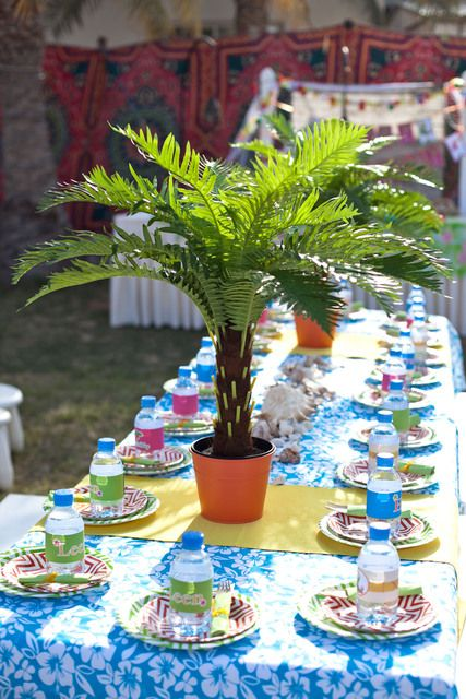 Fantastic table at a Luau Birthday Party!  See more party ideas at CatchMyParty.com!