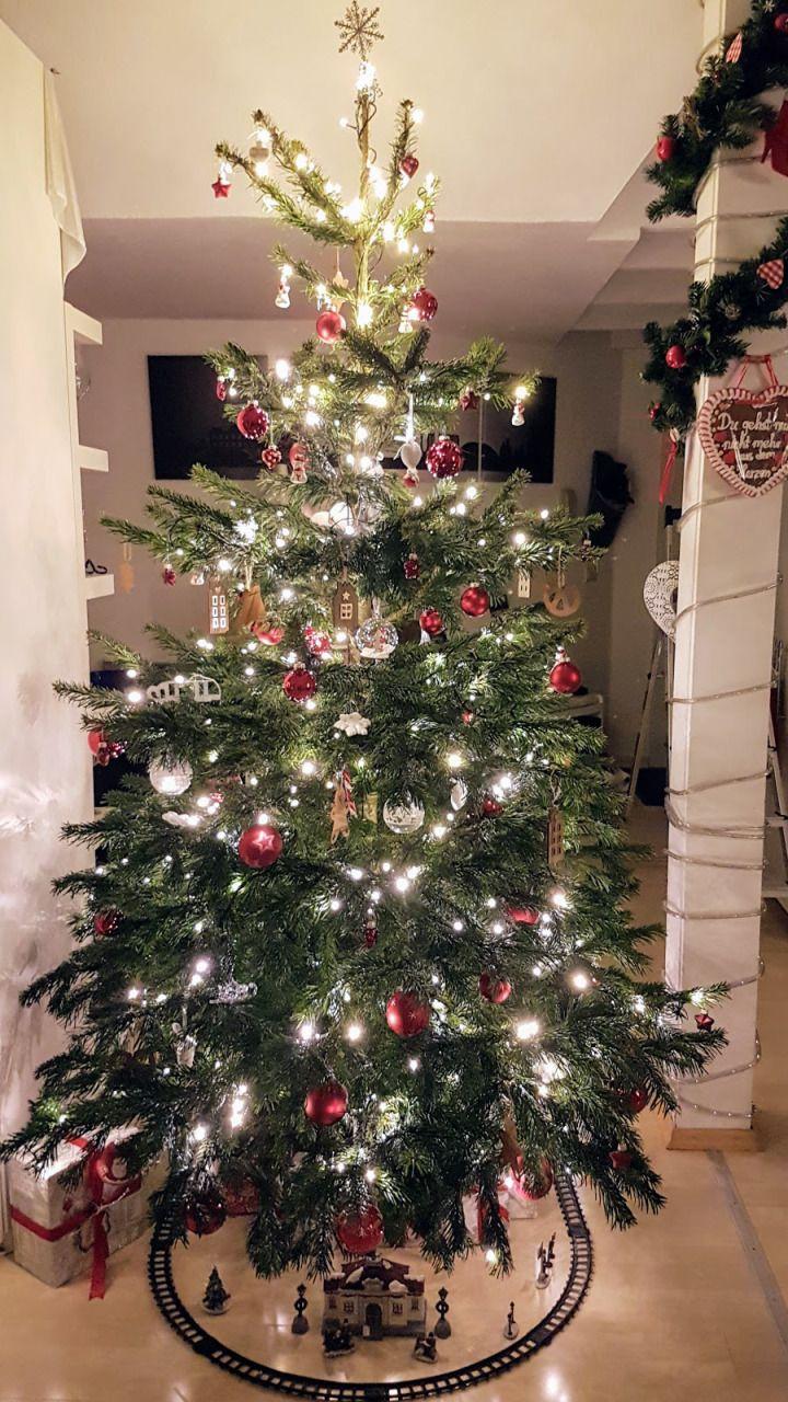 Weihnachtsbaum Klein Geschmückt.Weihnachten Ist Kein Weihnachten Ohne Tannenbaum Egal Ob Groß