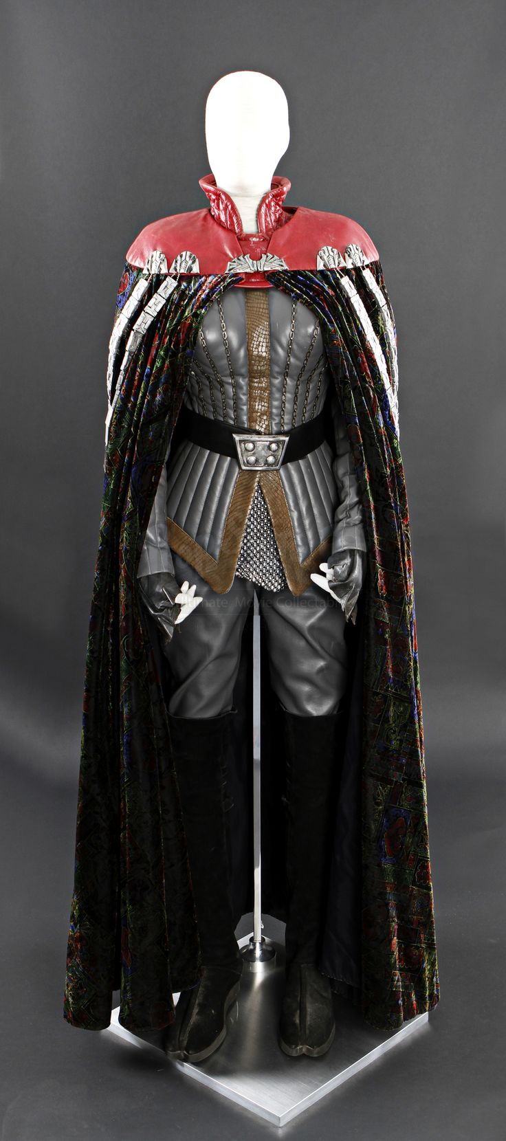 Female Klingon Costume | Prop Store - Ultimate Movie Collectables
