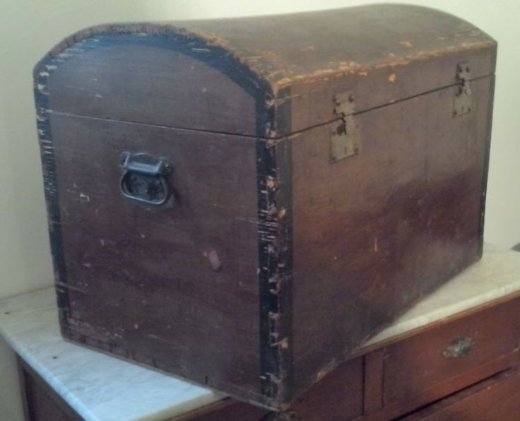 Coté    wwwla-malle-en-coin Malles-bombees malle-courrier - peinture en bombe pour bois