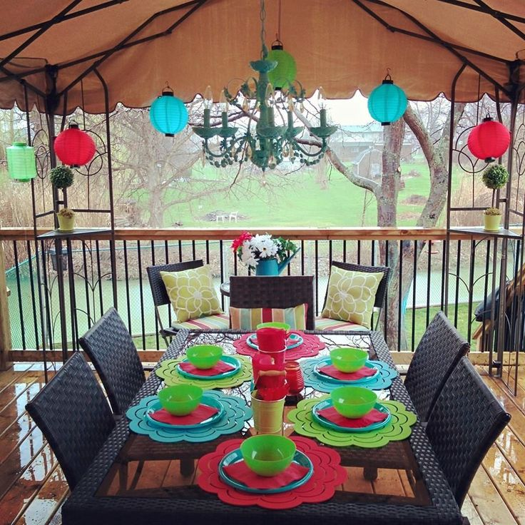 Cheap Ways To Decorate Patio: Outdoor Decorating From The Dollar Store!