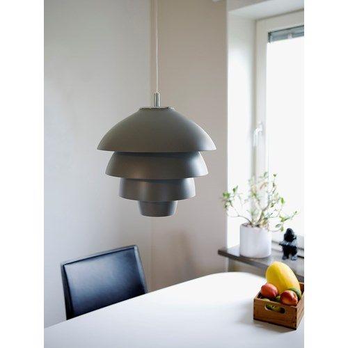 Valencia från Belid. Pendel med formspråk från hängande druvklasar. Design: Joakim Fihn #pendel #belid #valencia #lampanse #lampan #lampor #lampe #lamper #belysning #inredning #inspiration #scandinavian #nordichomes #nordicdesign #exclusive #premium #homestyling #levaochbo http://buff.ly/2pTK9qR?utm_content=buffer2ce46&utm_medium=social&utm_source=pinterest.com&utm_campaign=buffer