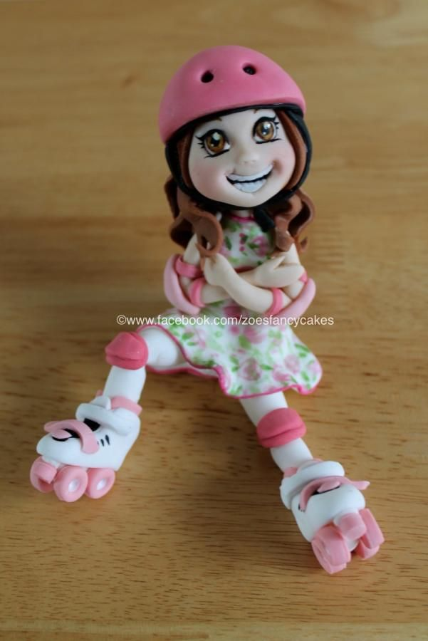 Rollerskate girl no 2, for more go to my fb page at https://www.facebook.com/zoesfancycakes