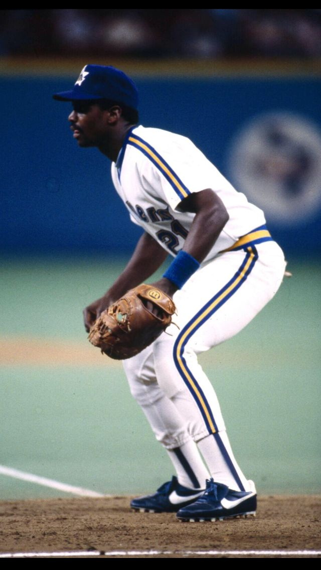 """Alvin """"Mr. Mariner"""" Davis 1B (1984-1991) inducted into the ..."""