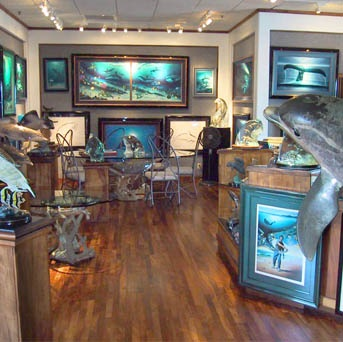 If you like dolphins, whales & sea life...you must visit Wyland Galleries of Hawaii - Maui