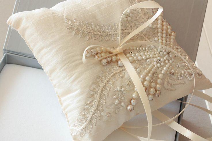 Ring bearer pillow - Fall leaf ivory