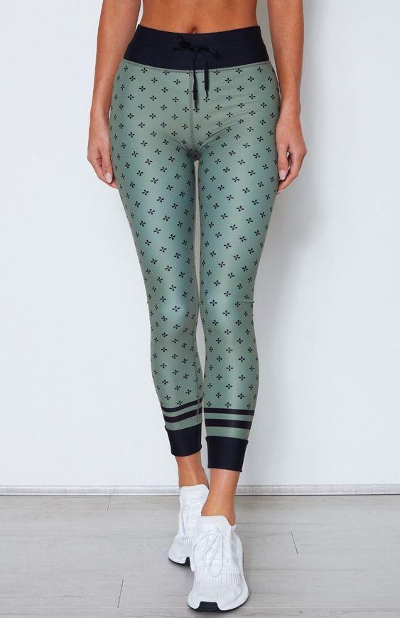8ae3c9b8ea94e 34 Workout Clothes To Update You Wardrobe Today #leggings #pants #yogapants  #yoga