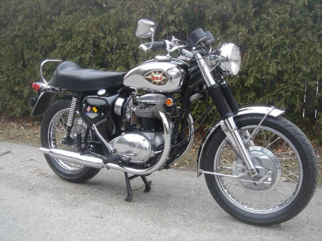 Motorcycle - 1969 BSA Lightning 650cc