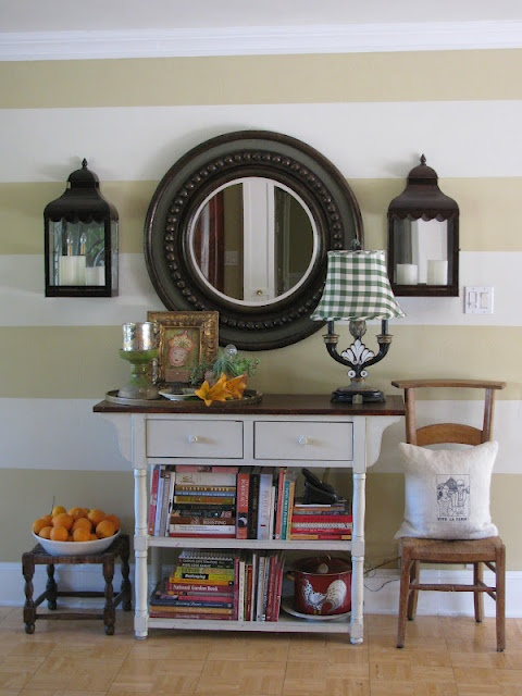 Love the stripes on the wall. @cheryl ng lagreca ...an idea for the front hallway?